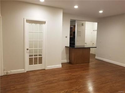 Yonkers Condo/Townhouse For Sale: 130 Glenwood Avenue #54