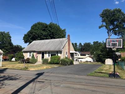 Stony Point Single Family Home For Sale: 10 Garyann Terrace