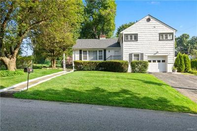 Single Family Home For Sale: 25 Old Knollwood Road
