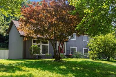 Yorktown Heights NY Single Family Home For Sale: $525,000