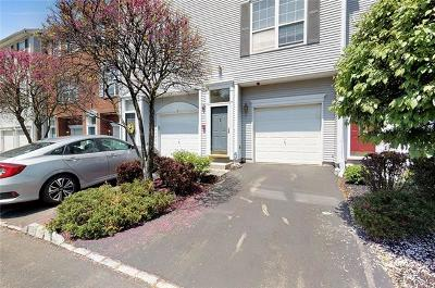 Nanuet Condo/Townhouse For Sale: 81 Meadow Lane