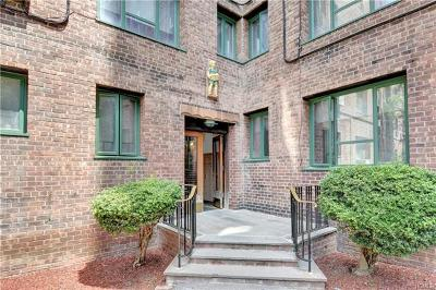 Bronx County Condo/Townhouse For Sale: 1936 East Tremont Avenue #4