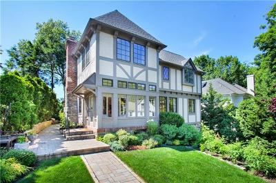 Single Family Home For Sale: 162 West Brookside Drive