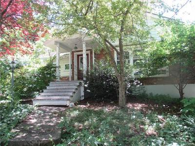 Newburgh Single Family Home For Sale: 16 Echo Lane