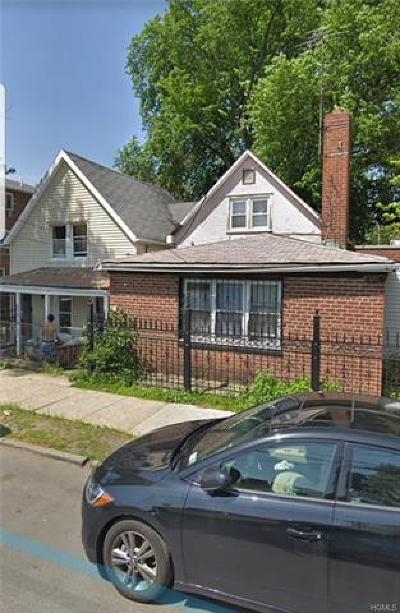 Bronx Single Family Home For Sale: 875 East 228th Street