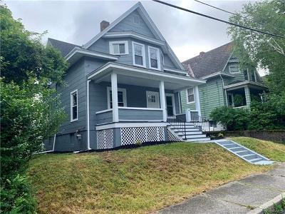Middletown Single Family Home For Sale: 14 Wells Avenue