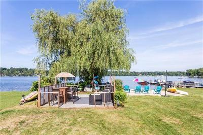 Brewster Single Family Home For Sale: 27 Vails Lake Shore Drive
