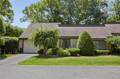 Westchester County Condo/Townhouse For Sale: 581 Heritage Hills #A