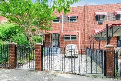 Bronx Single Family Home For Sale: 930 Tiffany Street