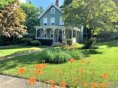Single Family Home For Sale: 65 Pearl Street