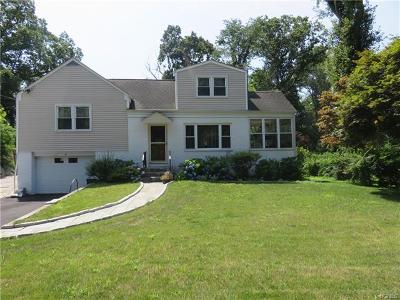 White Plains Single Family Home For Sale: 27 Old Tarrytown Road