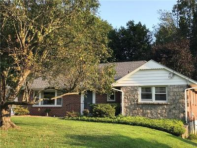 Ossining Single Family Home For Sale: 26 Iroquois Road