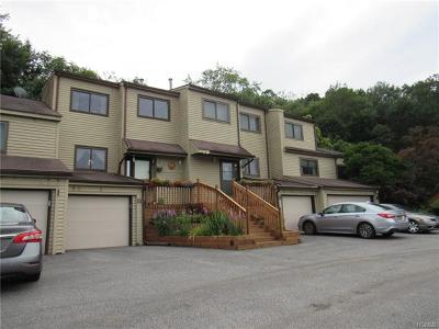 Highland Single Family Home For Sale: 13 Ash Court