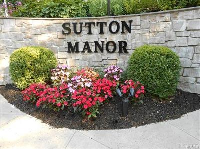Mount Kisco Condo/Townhouse For Sale: 108 Sutton Drive #108