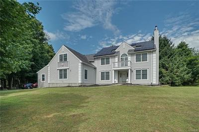 Monroe Single Family Home For Sale: 12 Country Court