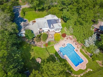 Rockland County Single Family Home For Sale: 256 Cherry Lane