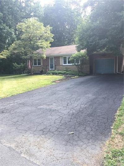 New Windsor Single Family Home For Sale: 8 Garden Drive