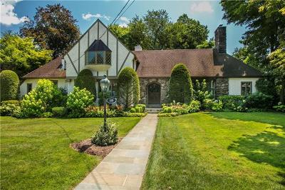 Larchmont Single Family Home For Sale: 110 Carleon Avenue