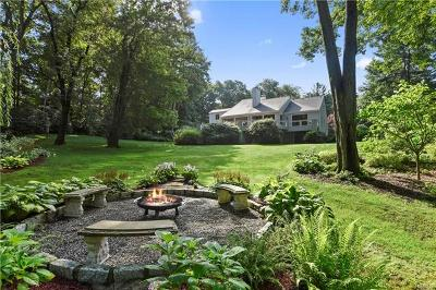Chappaqua Single Family Home For Sale: 8 Berrybrook Circle