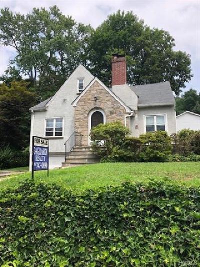 Single Family Home For Sale: 152 Elwood Avenue