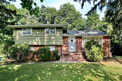Rockland County Single Family Home For Sale: 20 Inwood Lane