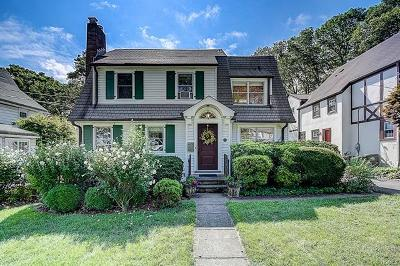 White Plains Single Family Home For Sale: 93 Sterling Avenue