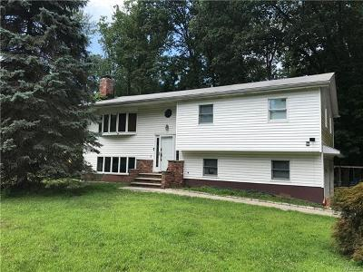Rockland County Single Family Home For Sale: 36 Skylark Drive