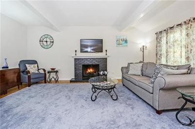 Somers Condo/Townhouse For Sale: 113 Heritage Hills #B