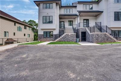 Rockland County Condo/Townhouse For Sale: 9 Albert Drive