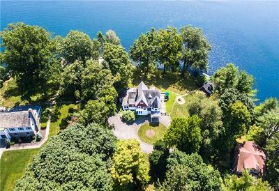 Putnam County Single Family Home For Sale: 86 West Lake Boulevard