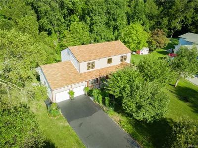 Rockland County Single Family Home For Sale: 49 Pilgrim Lane