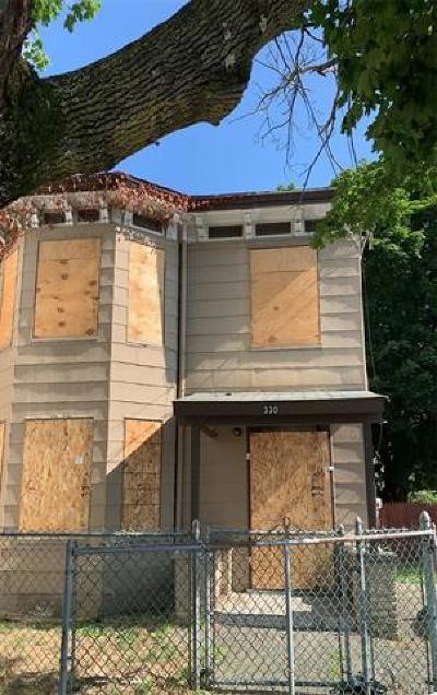 Newburgh Single Family Home For Sale: 330 Washington Street