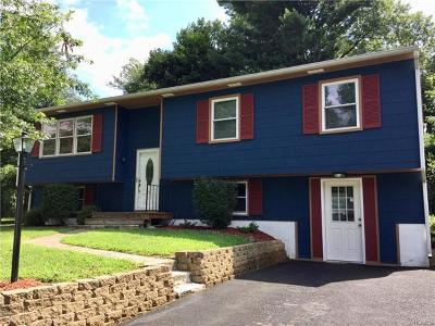 Walden Single Family Home For Sale: 16 Donner Drive