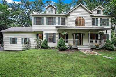 Single Family Home For Sale: 7 Newbury Lane