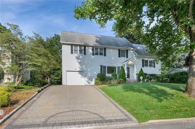 Yonkers Single Family Home For Sale: 45 Kincaid Drive