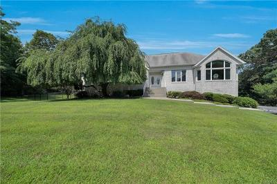Rockland County Single Family Home For Sale: 3 Topaz Court
