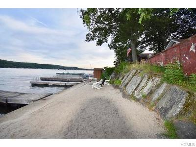Greenwood Lake Single Family Home For Sale: 24 Woodlands Terrace