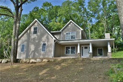 Pine Island Single Family Home For Sale: 243 Glenwood Road