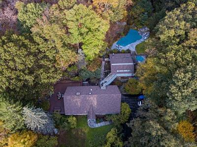 Bedford Single Family Home For Sale: 12 Woodland Road