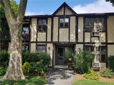 Valley Cottage Condo/Townhouse For Sale: 984 Sierra Vista Lane