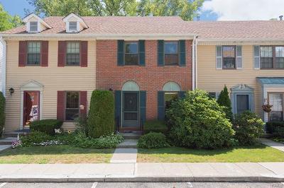 Peekskill Condo/Townhouse For Sale: 34 Poplar Circle