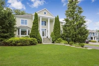 Westchester County Single Family Home For Sale: 121 Stonewall Circle