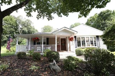 New City Single Family Home For Sale: 14 Deerwood Drive