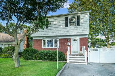 Yonkers Single Family Home For Sale: 133 Kingsley Drive