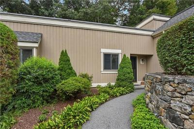 Westchester County Condo/Townhouse For Sale: 15 Heritage Hills #A