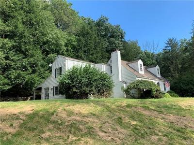 Westchester County Single Family Home For Sale: 30 Schoolhouse Road