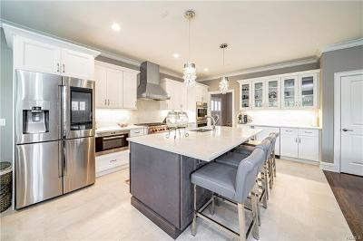 Single Family Home For Sale: 102 Woodruff Avenue