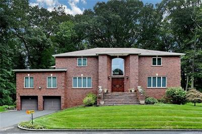 Rockland County Single Family Home For Sale: 3 Pinewood Drive
