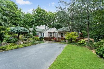 Warwick Single Family Home For Sale: 170 Cascade Road