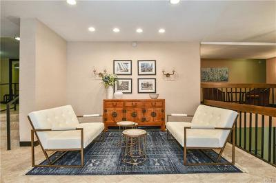 Westchester County Condo/Townhouse For Sale: 30 Greenridge Avenue #3H